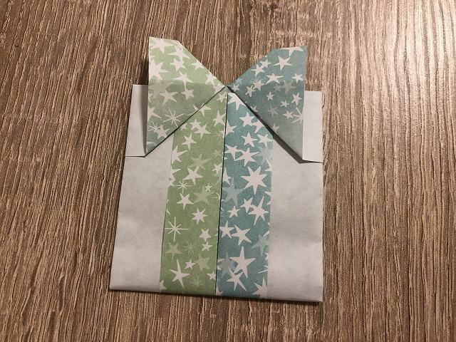 プレゼント型のカード